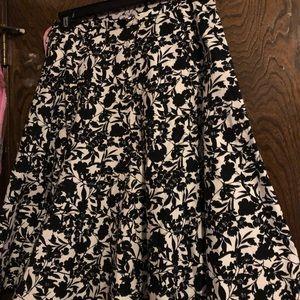 Black & white flare skirt